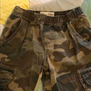 🔲Boys pants size 5🔲